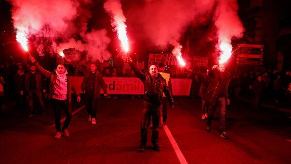 Антиправительственные протесты в Белграде  - Sputnik Italia