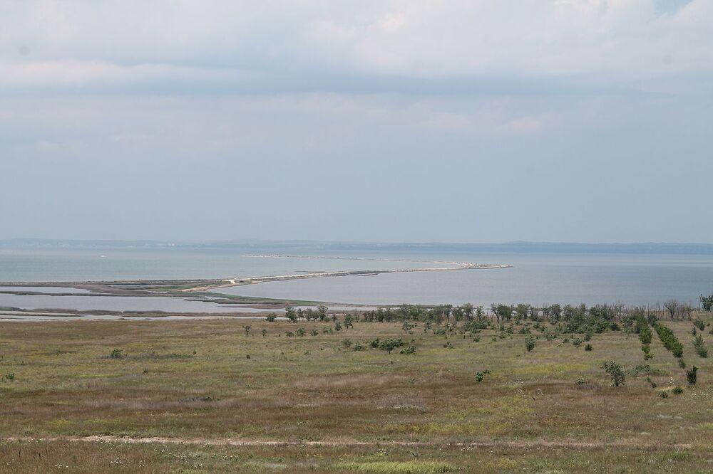 L'area dell'isola di Tuzla, prima dell'inizio dei lavori di costruzione del ponte sullo stretto di Kerch, nel 2013