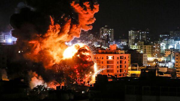 Notte di fuoco a Gaza - Sputnik Italia