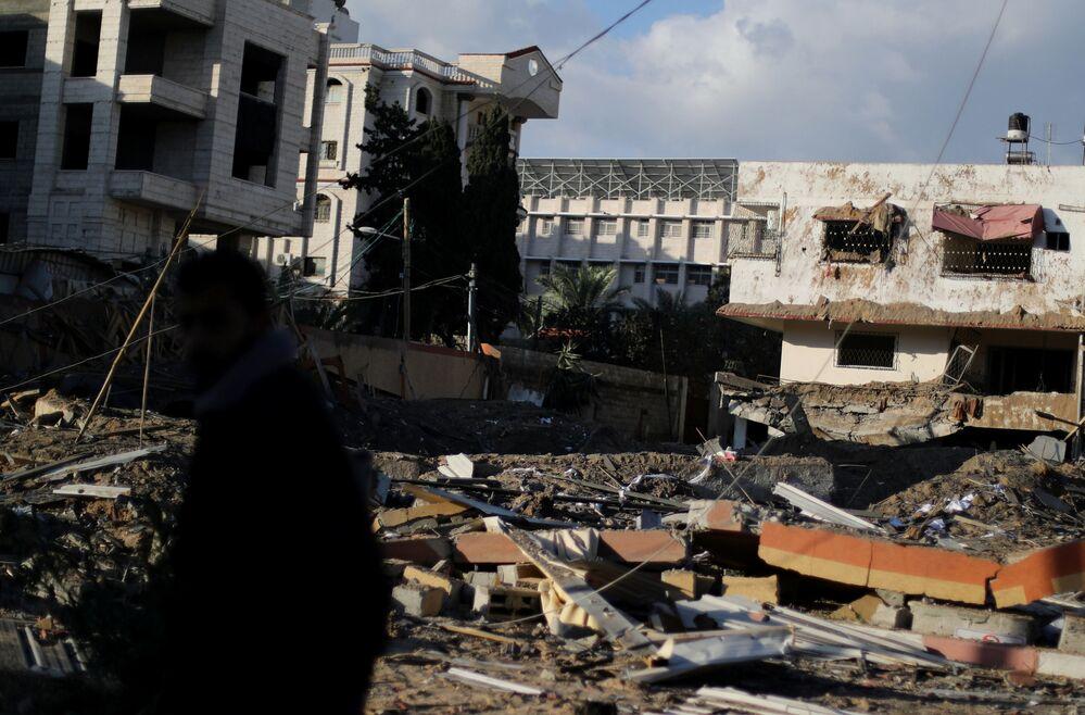 I resti dell'ufficio del capo di Hamas Ismail Haniyeh
