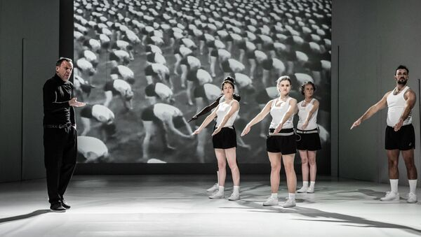 Una scena dell'opera teatrale Mein Kempf a Varsavia - Sputnik Italia