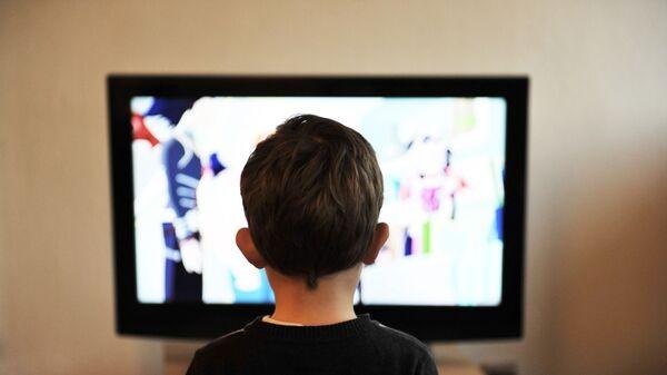 Media e bambini - immagine metaforica - Sputnik Italia