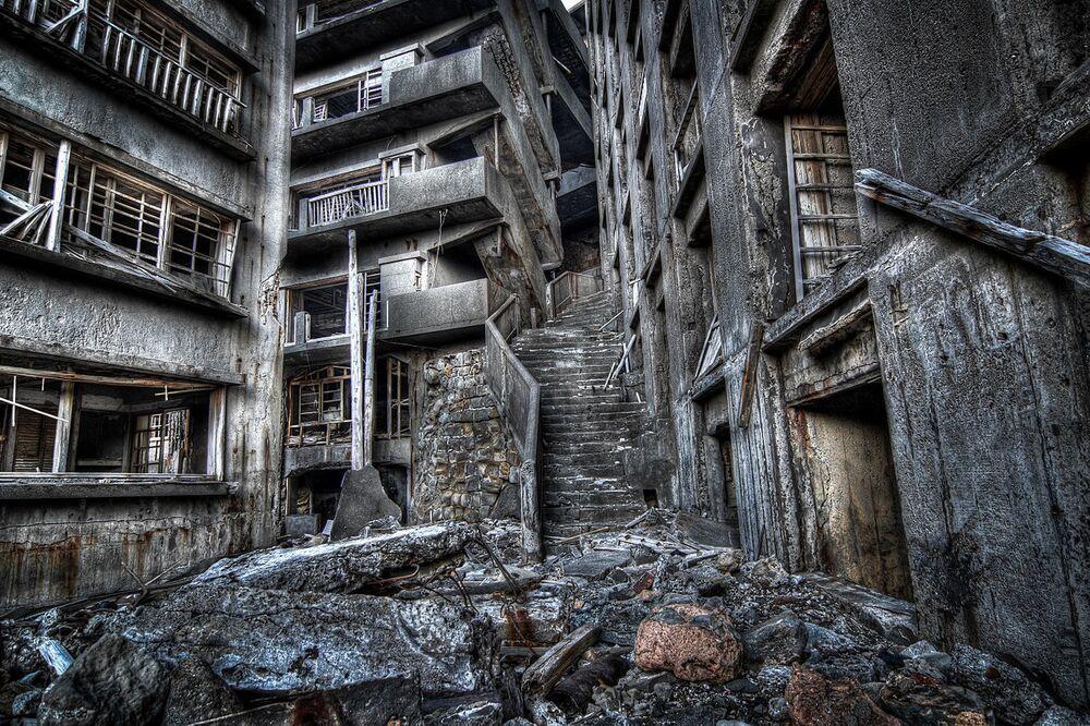 La Scala dell'Inferno nell'isola disabitata di Hashima in Giappone