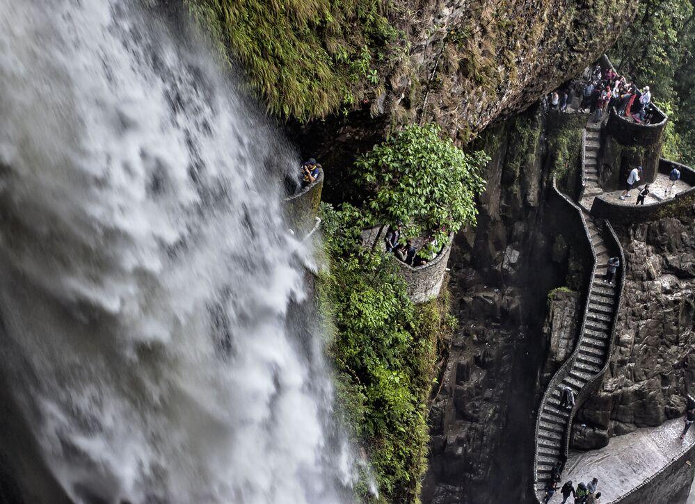 La scala del Pailon del Diablo (il calderone del Diavolo) in Ecuador