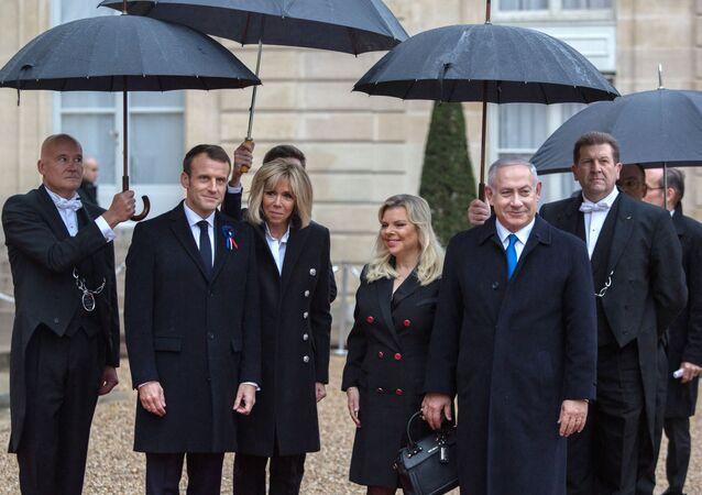 Macron accoglie a Parigi Benjamin Netanyahu in occasione delle celebrazioni per il Centenario della fine della Prima Guerra Mondiale