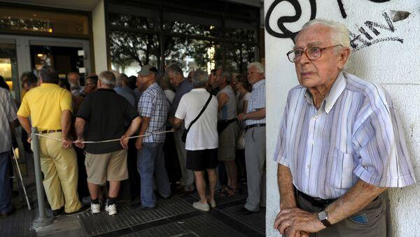Un pensionato di Atene, il suo sguardo dice tutto - Sputnik Italia