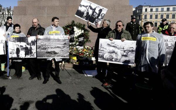 Proteste a Riga contro la manifestazione dei legionari SS - Sputnik Italia