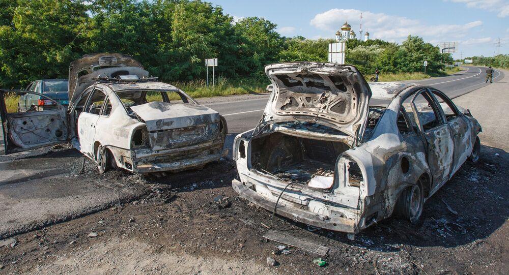 Auto bruciate a Mukachevo durante lo scontro con radicali di Settore destro