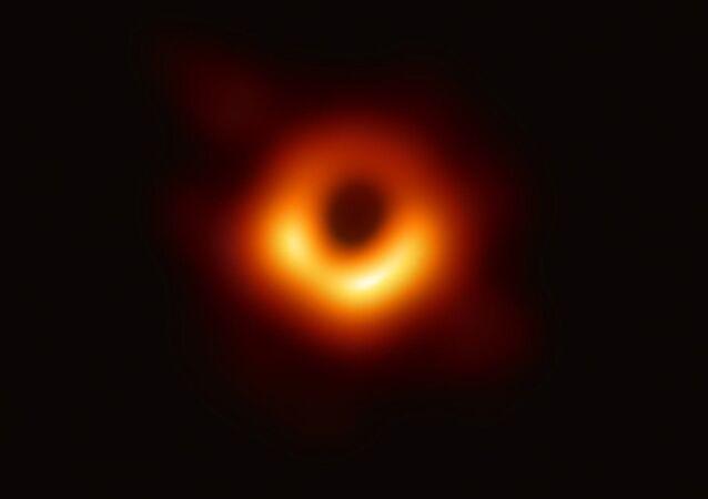 Immagine di un buco nero