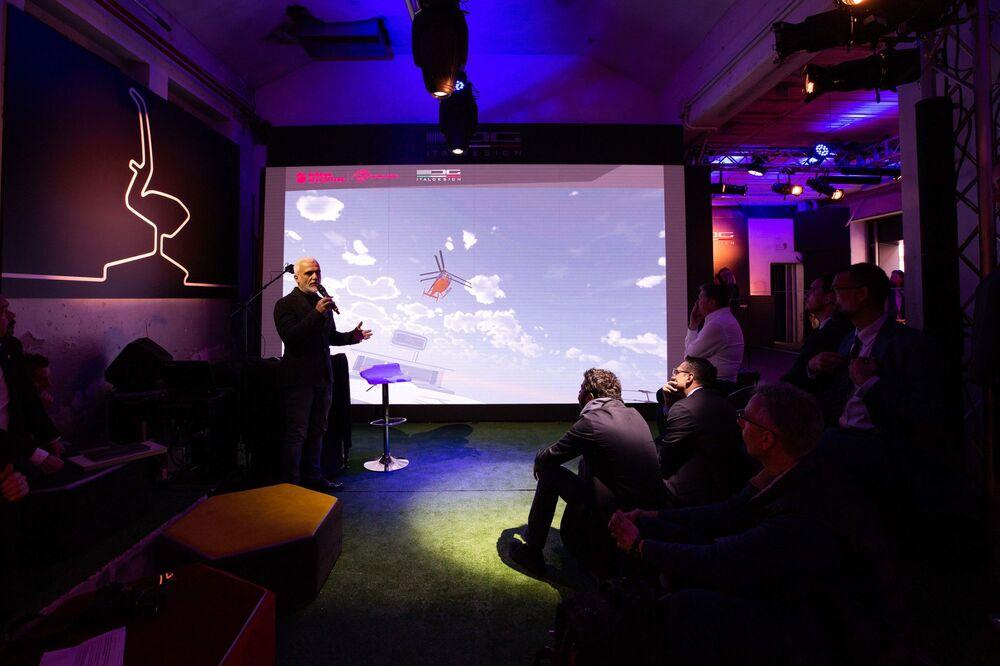 Nicola Guelfo, head Industrial Design di Italodesign, durante la presentazione del VRT 500