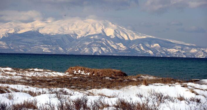 Vista su Hokkaido da Kunashir