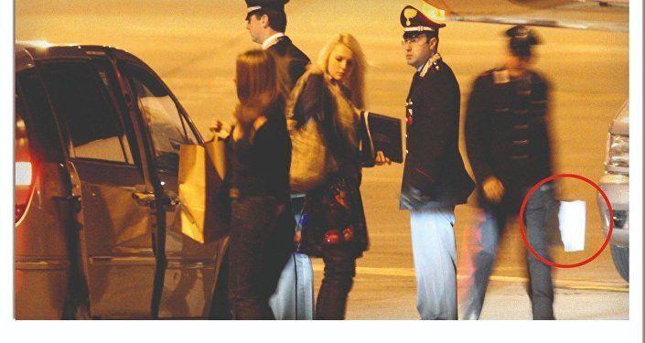 Due delle ragazze invitate da Berlusconi a Villa Certosa