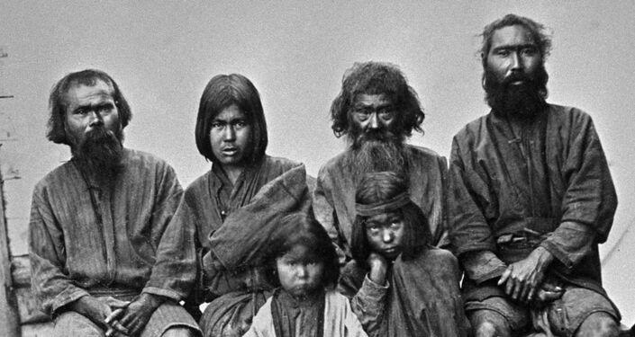 Ainu dell'isola di Sachalin - foto d'epoca (1890)