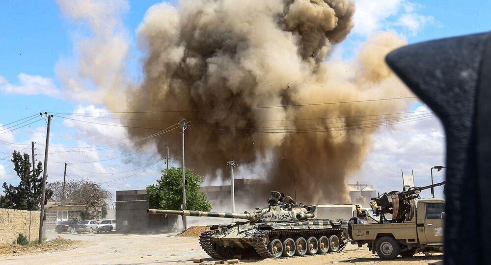 I borbadamenti in Libia