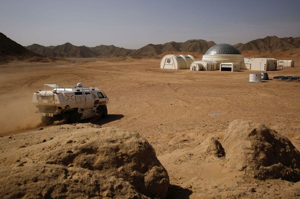 Un mezzo elettrico a trazione integrale, studiato per l'esplorazione della superficie di Marte