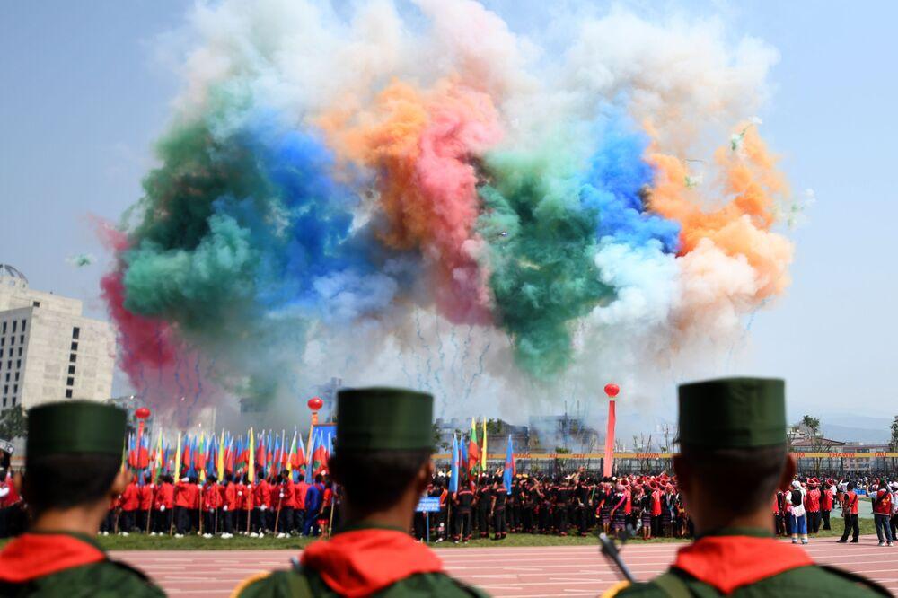 La parata militare per il 30° anniversario del cessate il fuoco con Myanmar a Panghsang.