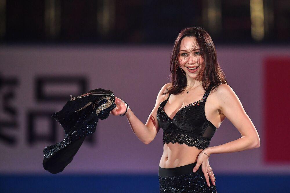 La pattinatrice artistica su ghiaccio russa, Elizaveta Tuktamusheva,  sull'esibizione a Fukuoka, Giappone.