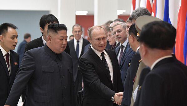 Kim Jong-un e Vladimir Putin si sono incontrati a Vladivostok - Sputnik Italia