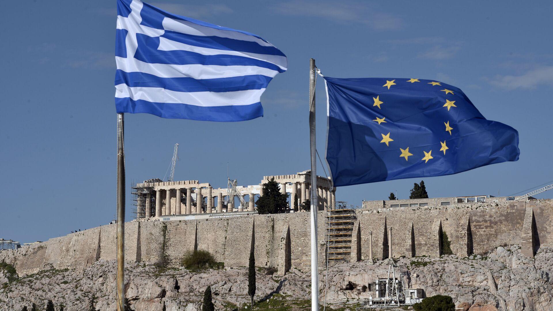 Le bandiere della Grecia e dell'UE ad Atene - Sputnik Italia, 1920, 18.05.2021