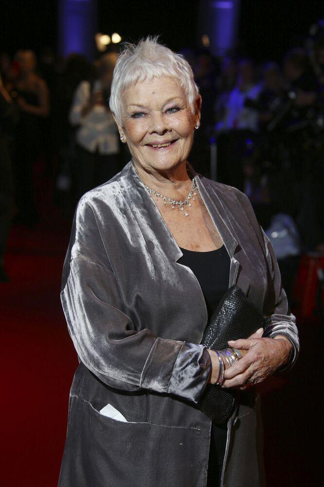 Judi Bench, 84 anni. L'attrice britannica sostiene che la vita inizia dopo gli 80 anni.