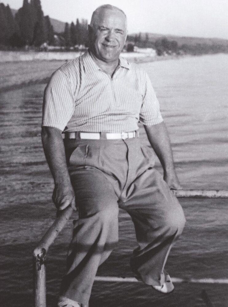 Il Maresciallo Georgiy Zhukov al mare a Sochi