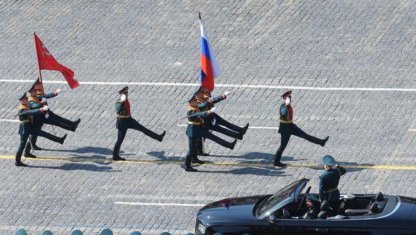 Alla Parata della Vittoria 2019 sfilano il vessillo della Vittoria - Sputnik Italia