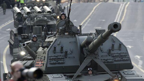 L'arrivo dei mezzi militari per le prove della Parata della Vittoria a Mosca. - Sputnik Italia