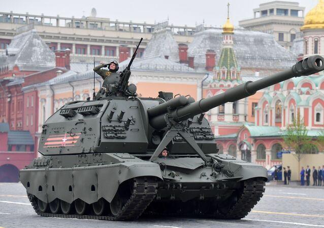 I semoventi d'artiglieria MSTA-S alla Parata della Vittoria 2019