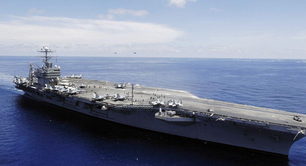 La portaerei Abraham Lincoln (CVN-72)