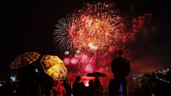 Fuochi d'artificio per il giorno della Vittoria - Sputnik Italia
