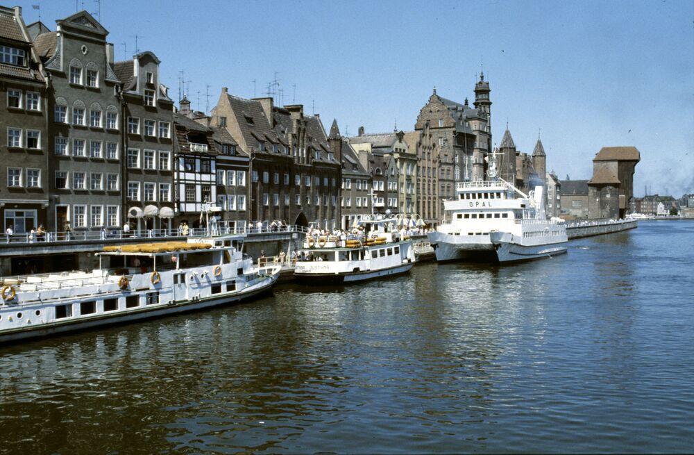 Barche attraccate al molo di Danzica, 1986