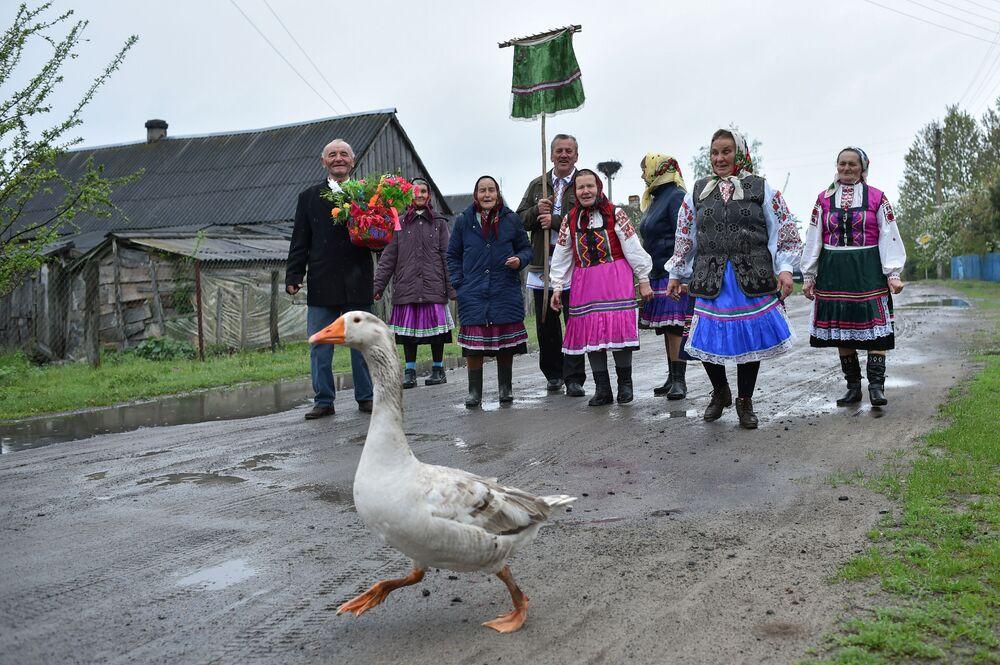 Festa ortodossa, Giorno di Giorgio, nel paesino bielorusso Lutki.