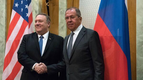 L'incontro tra Lavrov e Pompeo a Sochi - Sputnik Italia