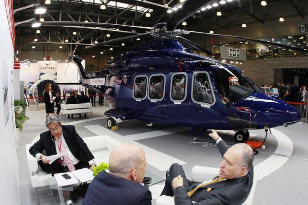 L'elicottero bimotore Augusta Westland AW139 nel padiglione Leonardo Helicopters ad HeliRussia - 2019 - Sputnik Italia