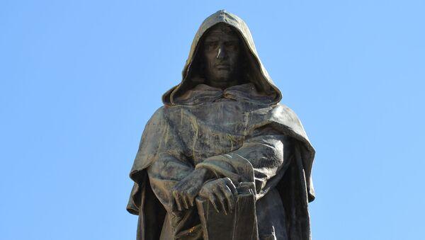 Statua di Giordano Bruno in Campo de'Fiori - Sputnik Italia