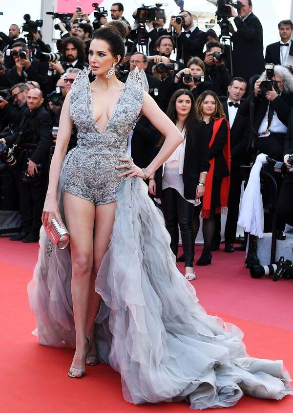 L'attrice francese Frédérique Bel. - Sputnik Italia