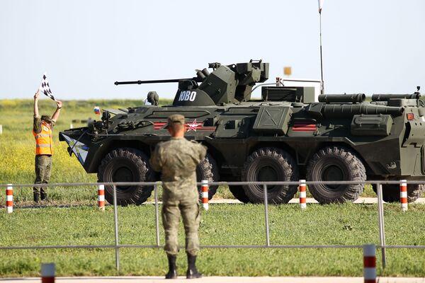 Un mezzo d'artiglieria delle truppe di difesa radioelettronica dell'esercito russo alla postazione di tiro - Sputnik Italia