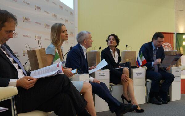 Il panel della conferenza «Il segreto del successo: lo sviluppo di progetti italiani in Russia» - Sputnik Italia