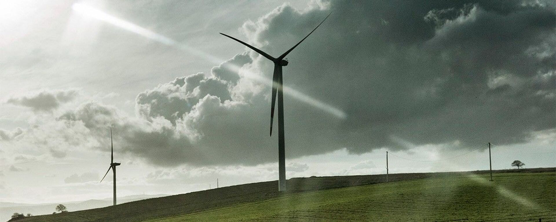 Uno centrale ad energia eolica di Enel - Sputnik Italia, 1920, 14.07.2021