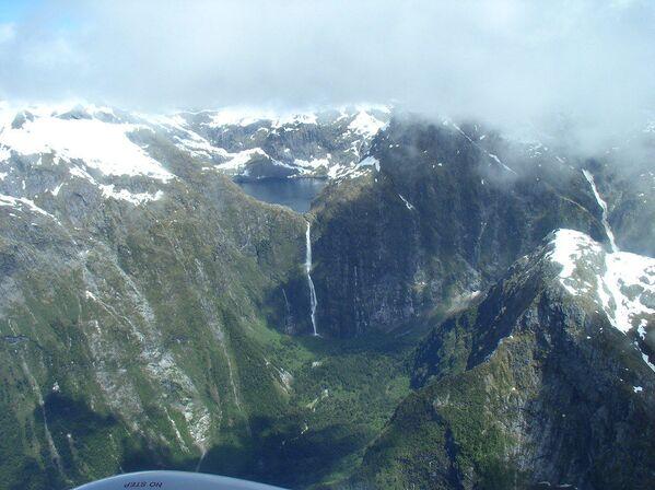 Le cascate Sutherland in Nuova Zelanda: alte 580 metri, hanno ben tre salti, il più alto dei quali è di 248 metri. Le cascate si trovano nel parco nazionale di Fiordland e sono considerate patrimonio dell'Unesco. - Sputnik Italia