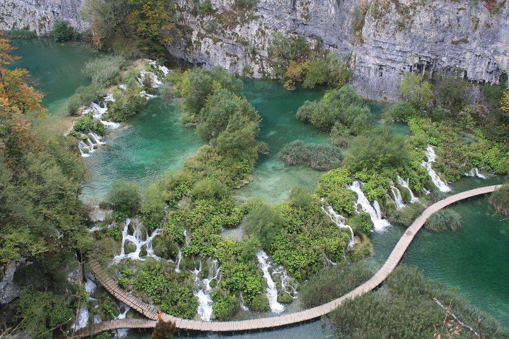 Le cascate del parco naturale dei laghi Plitvice, in Croazia