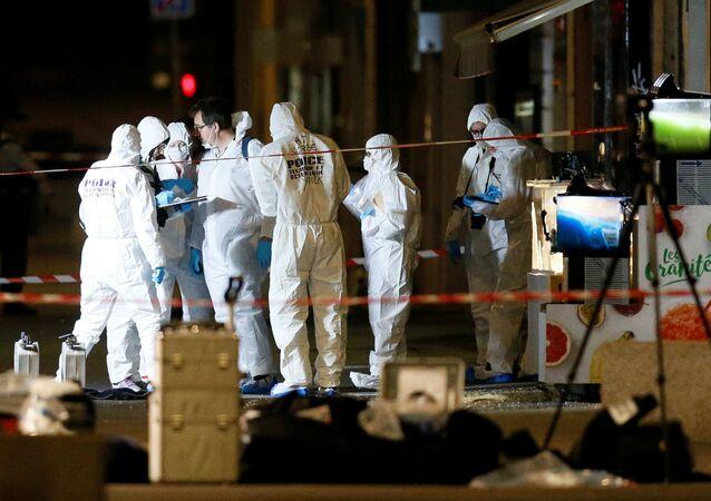 Polizia francese al luogo dell'esplosione a Lione