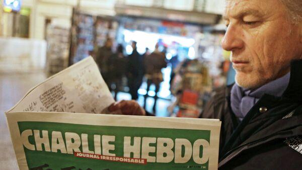 Il primo numero di Charlie Hebdo dopo attentato - Sputnik Italia