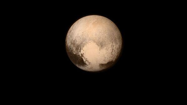 Снимок планеты Плутон с борта автоматической межпланетной станции NASA New Horizons - Sputnik Italia