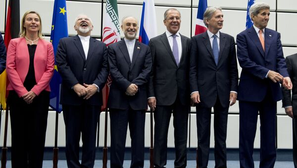 Совместное фотографирование участников переговоров по ядерной проблеме Ирана в Вене - Sputnik Italia
