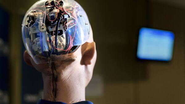Sophia, androide sociale sviluppato nel 2015 dalla compagnia hongkonghese Hanson Robotics Limited e insignito della cittadinanza saudita nel 2017. - Sputnik Italia