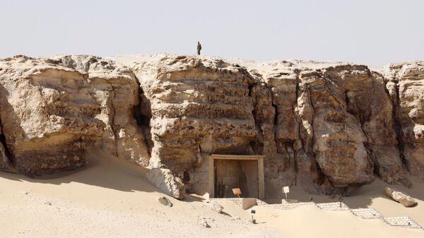 Antico cimitero rinvenuto dagli archeologi nalla zona vicino alla necropoli di Tuna el-Gebel, Egitto - Sputnik Italia
