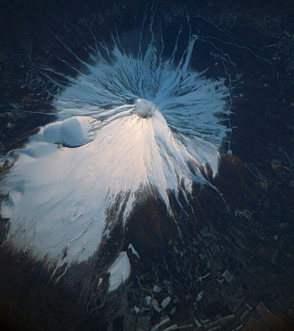 Una fotografia del Monte Fuji scattata dalla Stazione Spaziale Internazionale - Sputnik Italia