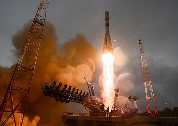 Lancio del razzo Soyuz-2.1B con il vettore spaziale nautico Glonass-M dal cosmodromo di Plesetsk. - Sputnik Italia