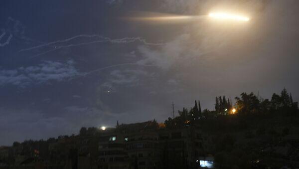Ракетный удар Израиля по Сирии - Sputnik Italia
